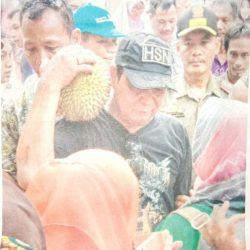 DISIAPKAN Ribuan Buah Durian untuk Disantap Gratis
