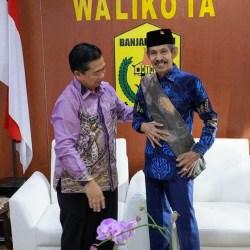IBNU SINA Dikunjungi Sobatnya Walikota Baubau