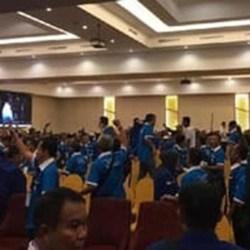 RICUH LAGI Kongres PAN, Terjadi Aksi Lempar-lemparan Kursi