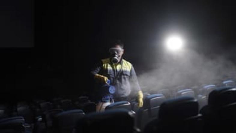 KASUS COVID-19 di China Kembali Muncul, Ratusan Bioskop Tutup Lagi