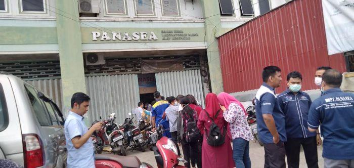 PANIK !!!! Warga Berbondong ke Distributor Alat Kesehatan