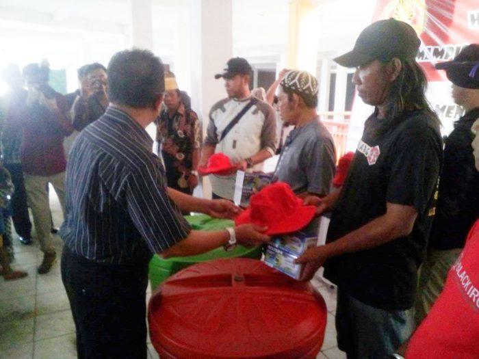 ANTI PREMANISME Disuluh ke 100 Orang Penjaga Pakir, Keamanan dan Pedagang di Pasar