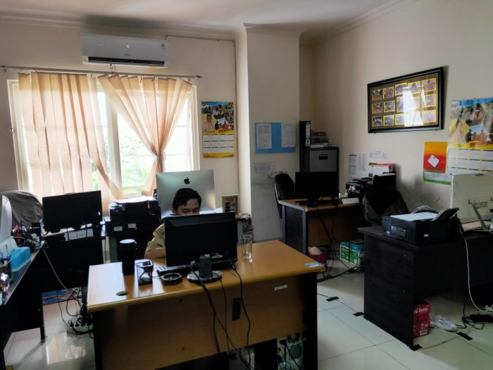 LENGGANG di Biro Adpim Setdaprov Kalsel, Hampir Seluruh Staf Pulang Kerja
