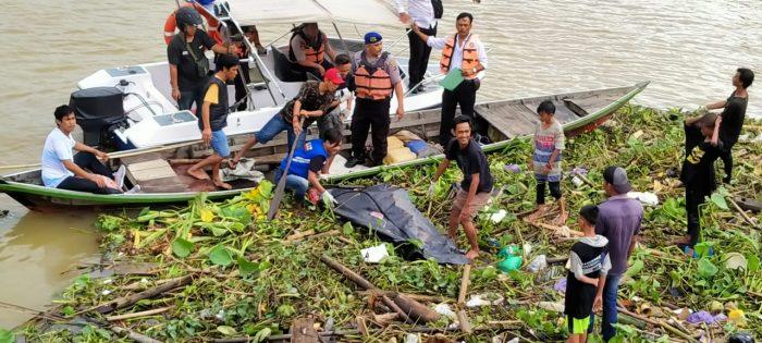 DIKIRA Boneka Ternyata Orok Mengapung di Sungai Ditemukan Pemancing Ikan