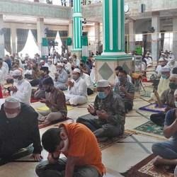 WALIKOTA Ibnu Sina Shalat Jum'at di Masjid At-Taqwa