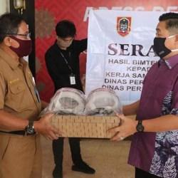400 PELINDUNG WAJAH untuk Tenaga Medis dan Kesehatan di 52 Kampung Tangguh Banua