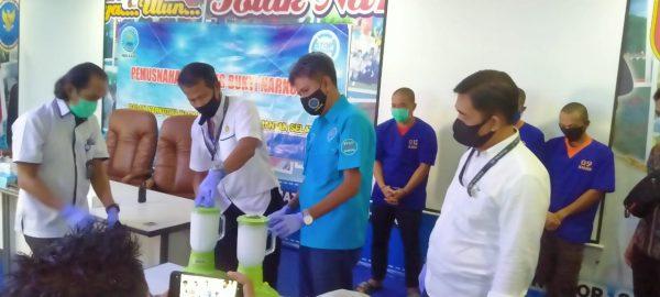"""SEORANG NAPI Jaringan 1 Kg Sabu 'Diboyong"""" BNNP Kalsel, Barang Buktinya Dimusnahkan"""