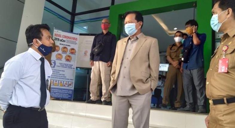 APD SENILAI RP40 JUTA Diserahkan Bank Kalsel kepada Bupati Tapin