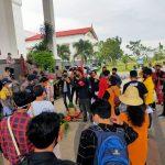 HARGA Hasil Pertanian Anjlok, Petani Melakukan Aksi ke Pemprov Kalsel