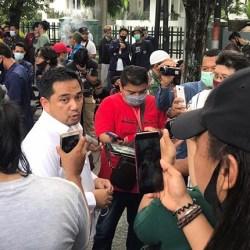 MAHASISWA Ngotot Tak Mau Dialog, Rifqi Karsayuda Sambangi Demonstran Omnibus Law