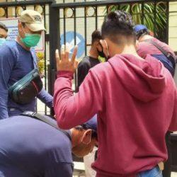 MENCURIGAKAN Dua Remaja saat Berlangsuing Demo Mahasiswa Langsung Diamankan