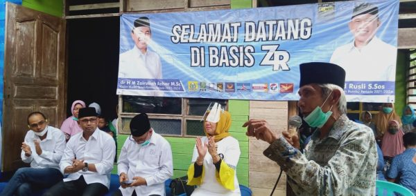 PENDUDUK Desa Karang Sari Takkan Lupa Jasa Zairullah Azhar
