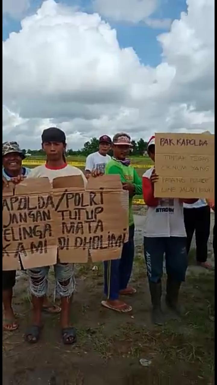 WARGA PROTES Turun ke Lokasi Akses Handil Enam Menuju Alkah yang di Police Line