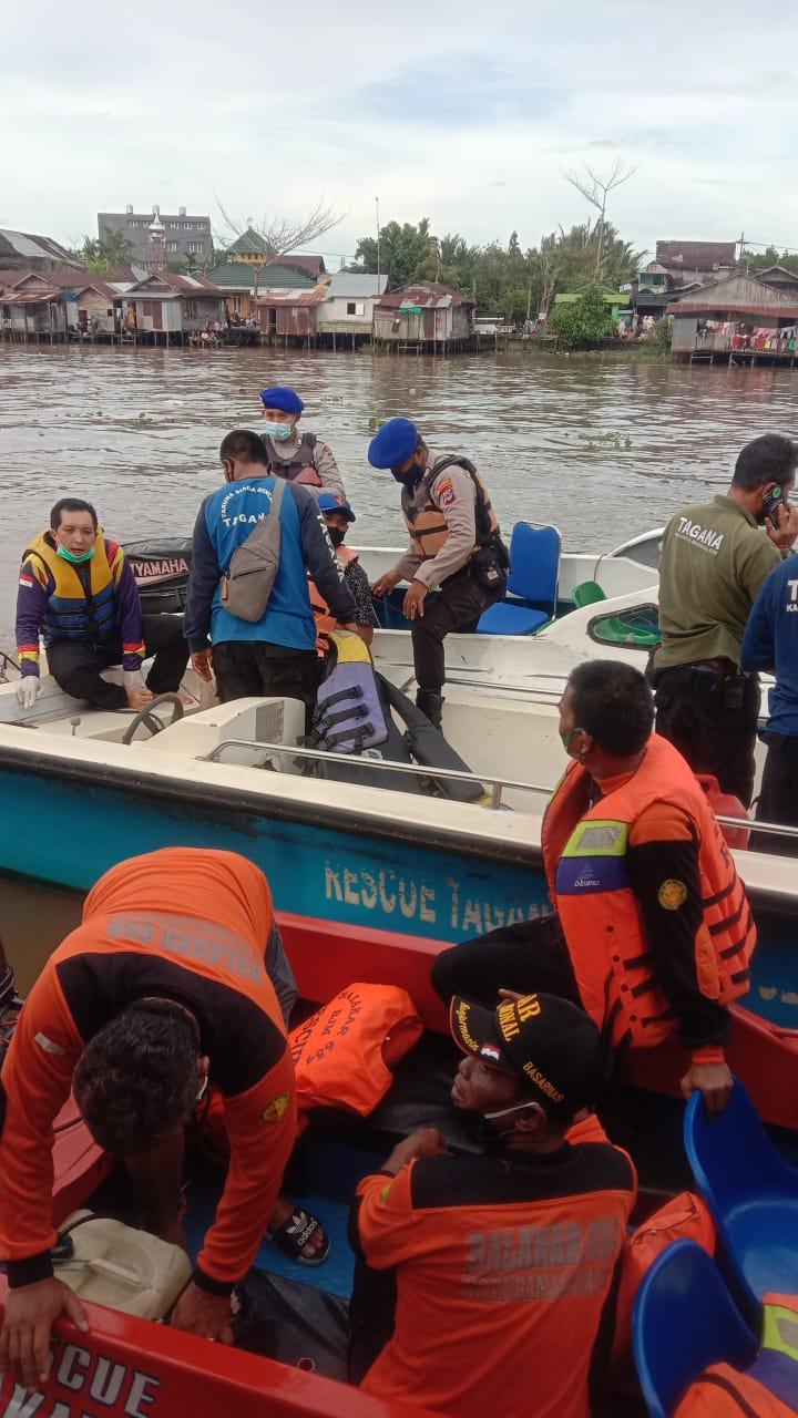 SEORANG SANTRI Baru Datang di Banjarmasin Berenang di Sungai Martapura dan Tenggelam