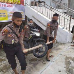 PENGENDARA MOTOR Kebanyakan Mogok di Tengah Jalan Dibantu Polisi