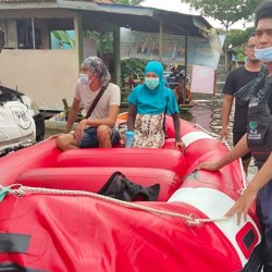 FAJI Banjarmasin Evakuasi Ibu Hamil Sembilan Bulan dari Pengungsian