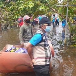 LAGI Partai Gelora Salurkan Bantuan Banjir