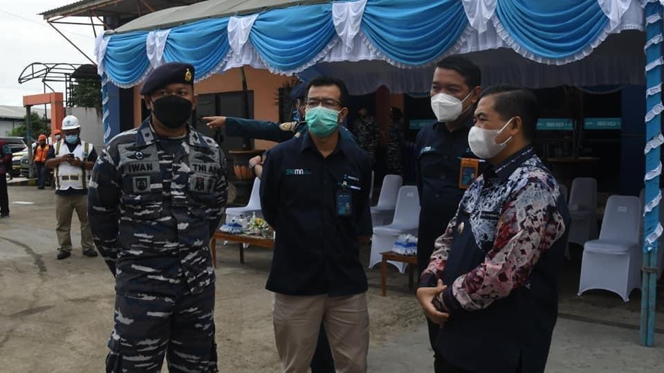 TNI AL BANTU Logistik Truk Dapur untuk Korban Banjir di Banjarmasin