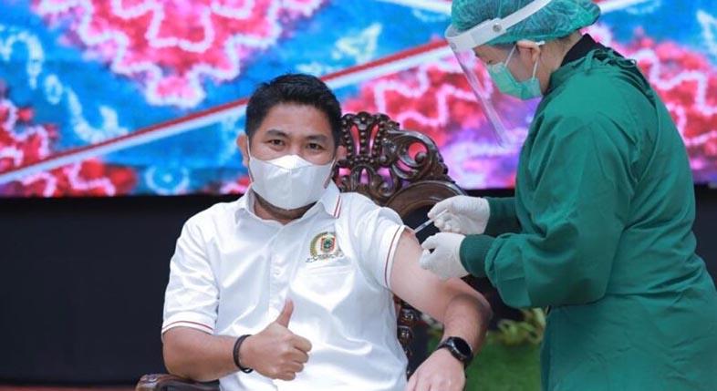 DISUNTIK Bang Dhin Vaksin Covid-19 Dosis Kedua