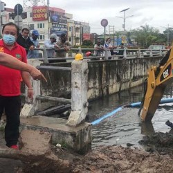 SATGAS NORMALISASI Sungai Langsung Eksekusi Pangkalan Ojek Lanal
