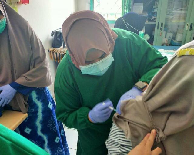 Vaksinasi tahap 2 jurnalis kta banjarmasin