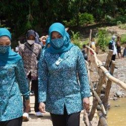 PKK KALSEL Hadir di Tengah Masyarakat Korban Banjir