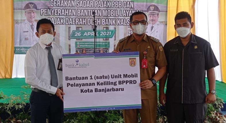 HIBAH Mobil Layanan Pajak Keliling dari Bank Kalsel untuk Banjarbaru