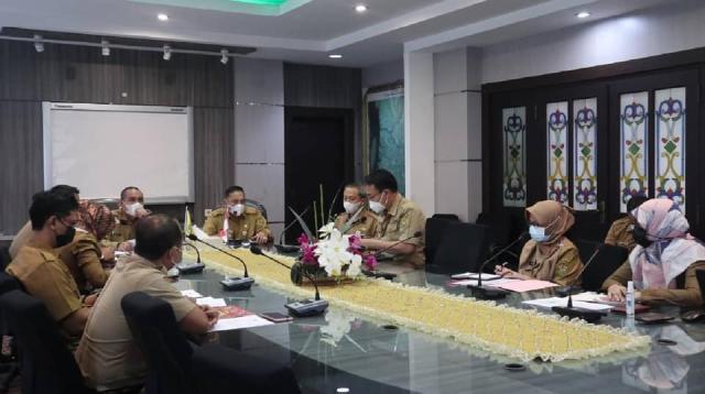 Pemerintah kota Banjarmasin menggelar rapat terkait pembahasan penyederhanaan birokasi di lingkungan Pemko Banjarmasin (2)