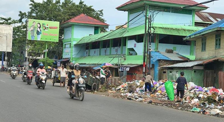 DIPINDAH Operasional Dua TPS ke Pasar Buah
