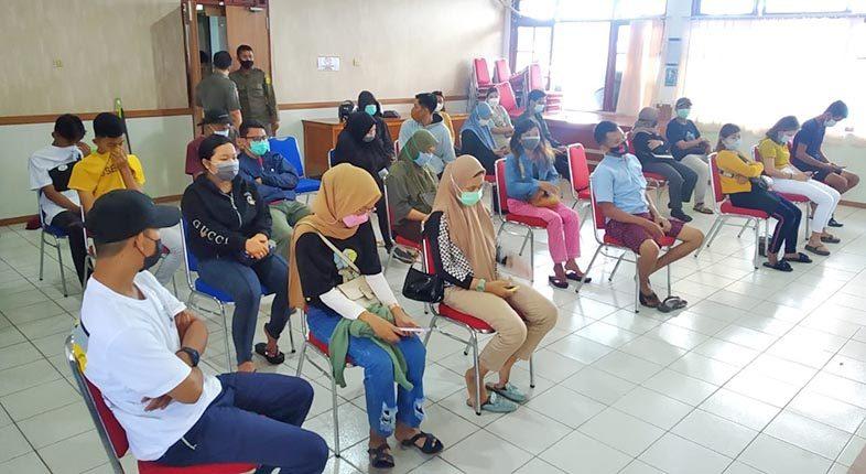 TIDAK BATALKAN Puasa, Vaksinasi Terus Jalan di Bulan Ramadhan