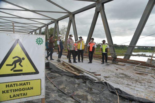 TINGGAL 2 Persen Perbaikan Jembatan Sungai Salim