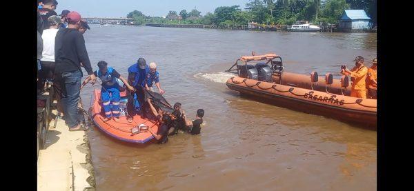 MENUNGGU Bersahur Bercebur ke Sungai Akhirnya Ditemukan Tak Bernyawa