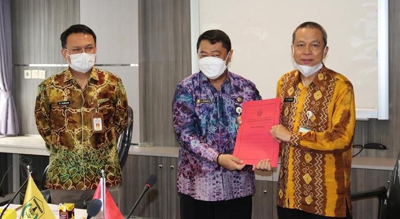 PERKIM SERAHKAN 14 Sertifikat FSU Perumahan di Banjarmasin