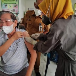 VAKSINASI RENDAH, Instruksi Pj Wali Kota ke SKPD Rangkul Lansia