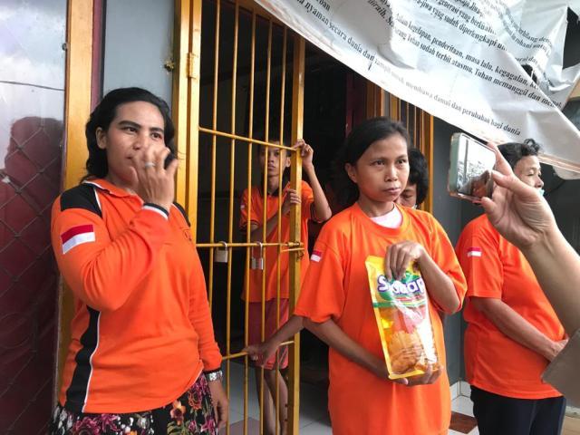Forum Jurnalis Perempuan Indonesia (FJPI) Kalsel melakukan aksi peduli (3)