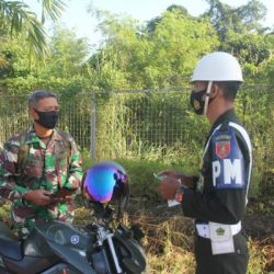 "PRAJURIT TNI AD di Jalan Raya ""Target"" Denpom VI/2 Banjarmasin"