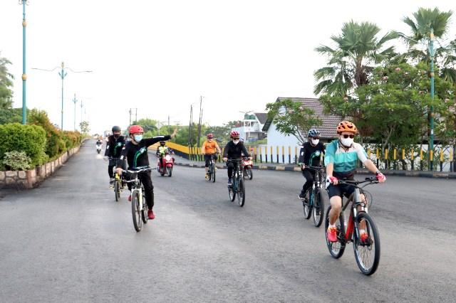 BANK KALSEL Charity Ride, Gowes Santai Sambil Beramal (2)