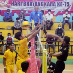 WAKAPOLDA KALSEL : Ini Cara Mengasah Kemampuan dengan Ditanding Tim Voli Kalsel – Bhayangkara Surabaya Semeru