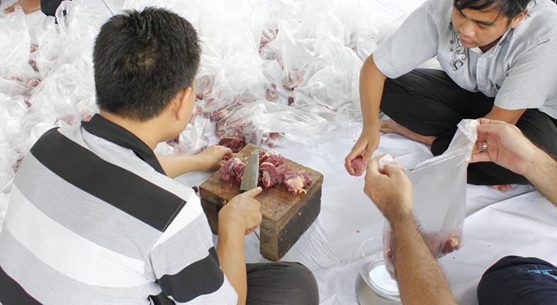 DAGING KURBAN Diminta Walikota Jangan Dibagi Pakai Kantong Plastik