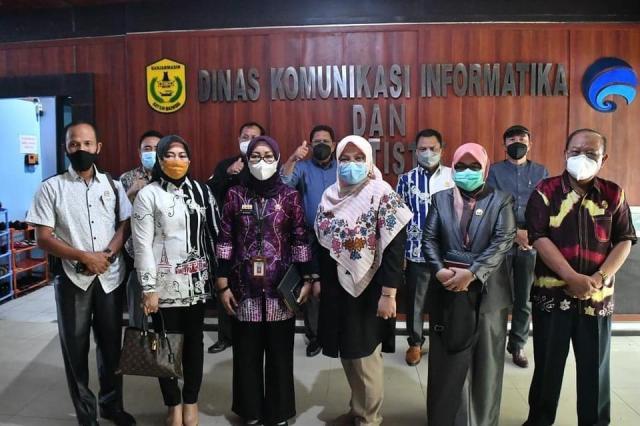 Komisi III Dewan Perwakilan Rakyat Daerah (DPRD) Kabupaten Tabalong di Ruang Rapat Kalpataru, Balaikota Banjarmasin (3)