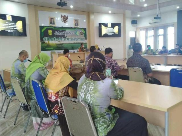 Rapat Koordinasi Kontijensi Kesiapsiagaan Menghadapi lonjakan kasus Covid-19 yang dilaksanakan Dinas Kesehatan Kota Banjarmasin (3)