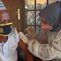 BERI PELAYANAN Vaksin Sampai ke Pelosok Kota