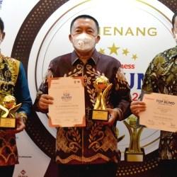 HARUMKAN DAERAH, Bank Kalsel Raih Anugerah Pembina, TOP BUMD & CEO Terbaik Nasional