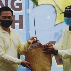 TERTANAM KOMITMEN Jaga Lingkungan di Kampung Iklim