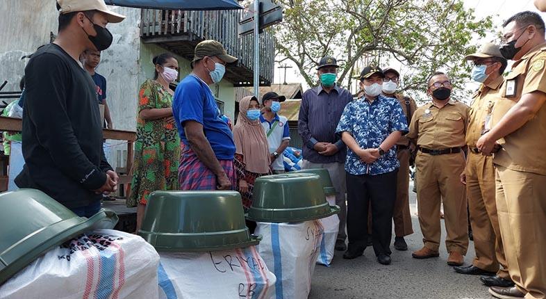 SIGAP! Pemko Langsung Salurkan Bantuan untuk Korban Kebakaran di Kelurahan Benua Anyar