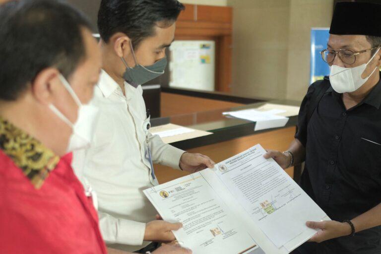 TUNAIKAN JANJI Wakil DPRD dengan Mengantar Tuntutan Mahasiswa Kalsel