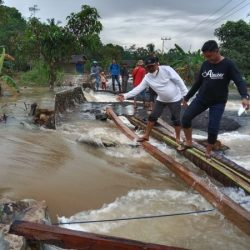 BANJIR Putuskan Jembatan-Jalan Desa di Kecamatan Kusan Hilir Tanbu