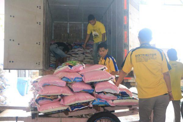 POLDA KALSEL Kirim Bansos untuk Korban Banjir Kalteng