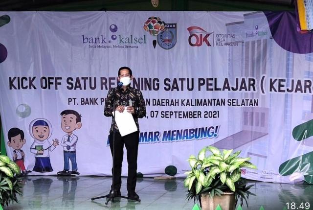 BANK KALSEL Gesit Buka Rekening Bagi Pelajar, Dukung Program OJK Banua Menabung (2)