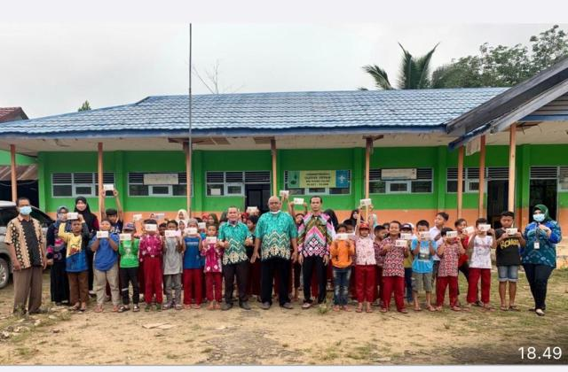 BANK KALSEL Gesit Buka Rekening Bagi Pelajar, Dukung Program OJK Banua Menabung (3)